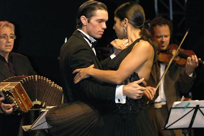 Obsecion - Raúl Jaurena, Anton Gazenbeek & Carolina Jaurena und Tango Five